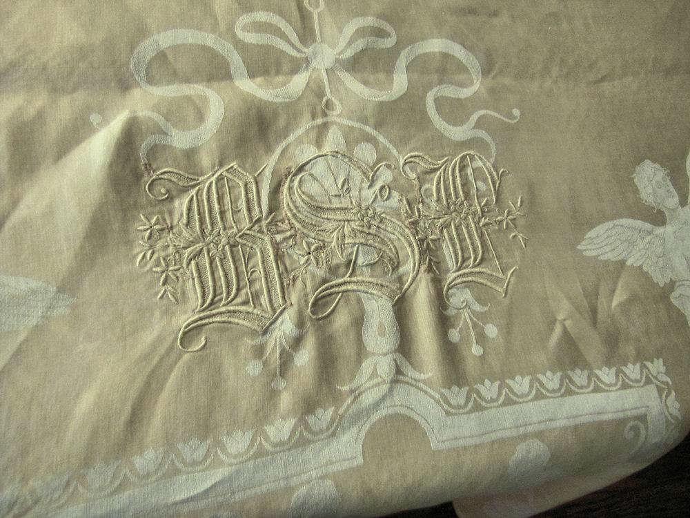 close up 7 vintage antique figural damask tablecloth