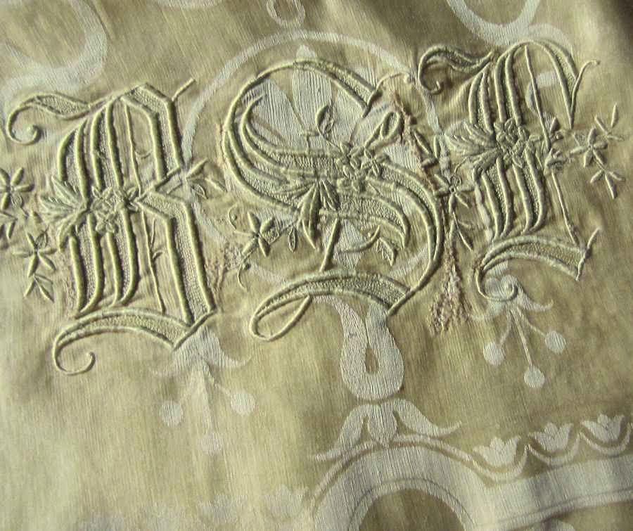 close up 8 vintage antique figural damask tablecloth