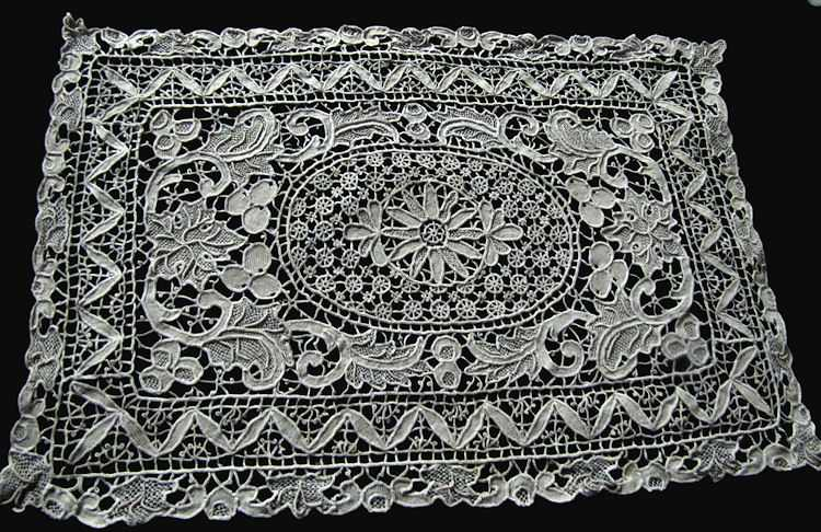placemats and table runner set handmade needle lace close up of placemat