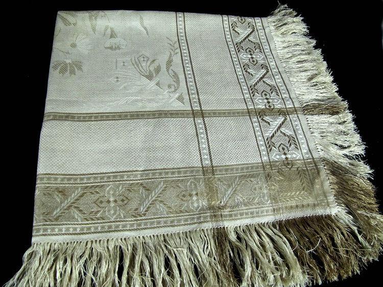 vintage damask woven table topper with fringe