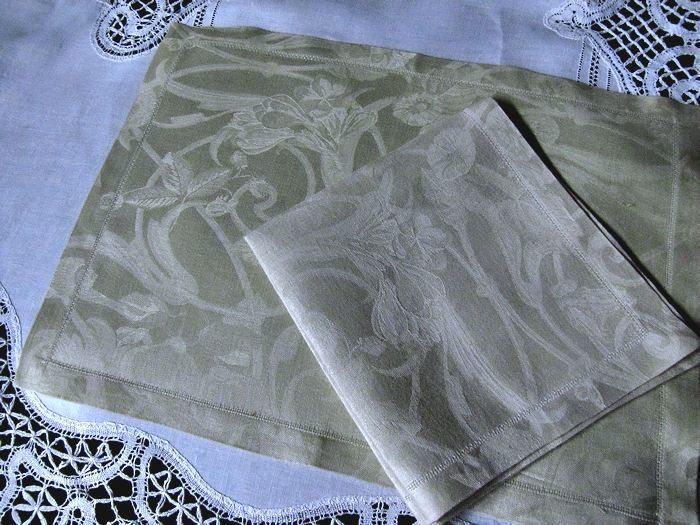 vintage Jacquard Francais Placemats and napkins