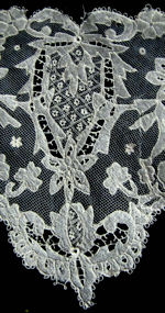 antique victorian carrickmacross lace collar