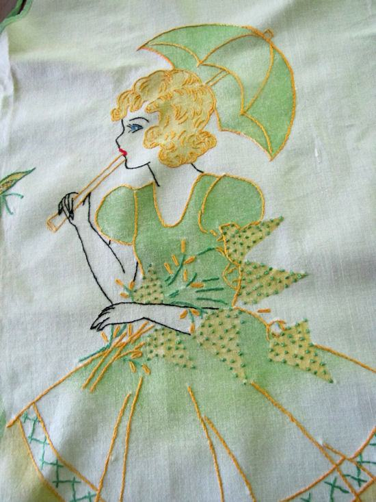 close up 1 vintage southern belle apron
