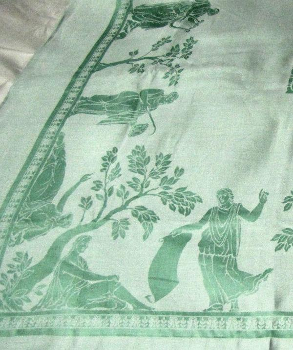 border figural damask tablecloth