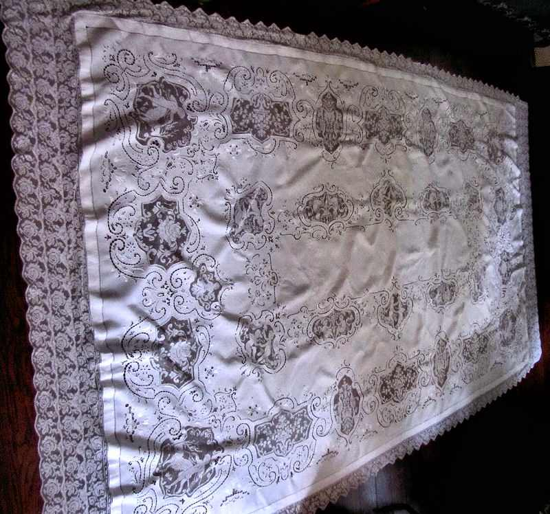 close up 2 vintage banquet tablecloth handmade figural lace and embroidery
