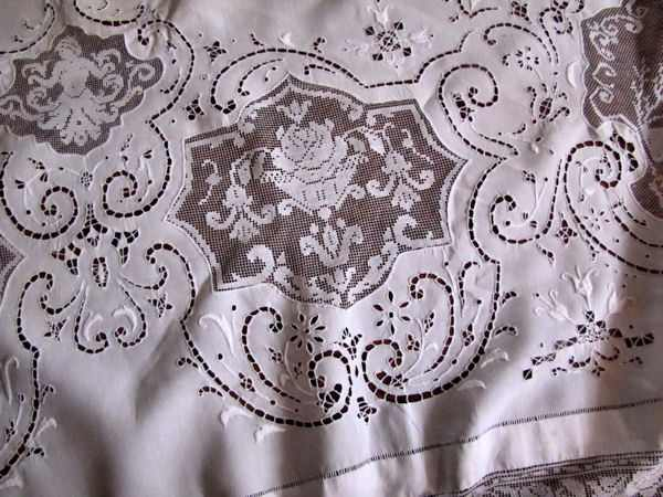 close up 5 vintage banquet tablecloth handmade figural lace and embroidery