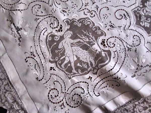 close up 7 vintage banquet tablecloth handmade figural lace and embroidery