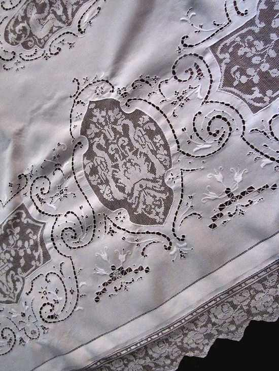 close up 8 vintage banquet tablecloth handmade figural lace and embroidery