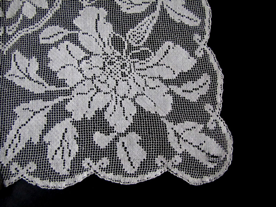 close up 2 vintage antique table runner handmade lace