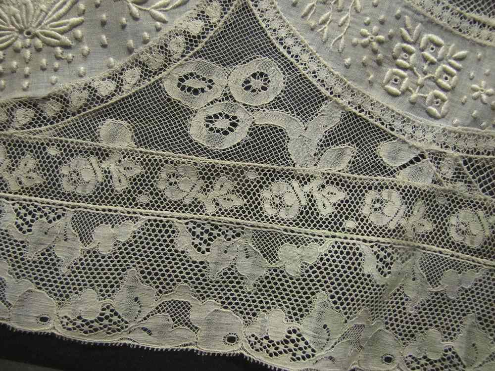 close up 4 vintage antique table runner normandy lace and whitework