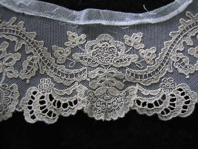 close up vintage antique victorian collar Limerick lace