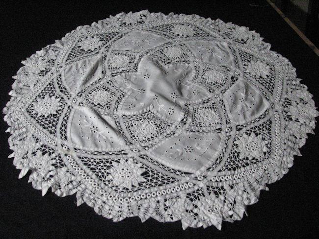 close up 3 vintage handmade battenberg lace tablecloth