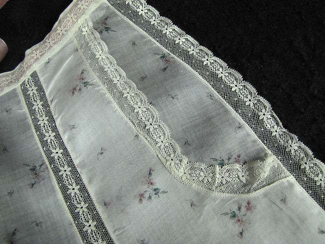 close up vintage hostess apron French lace