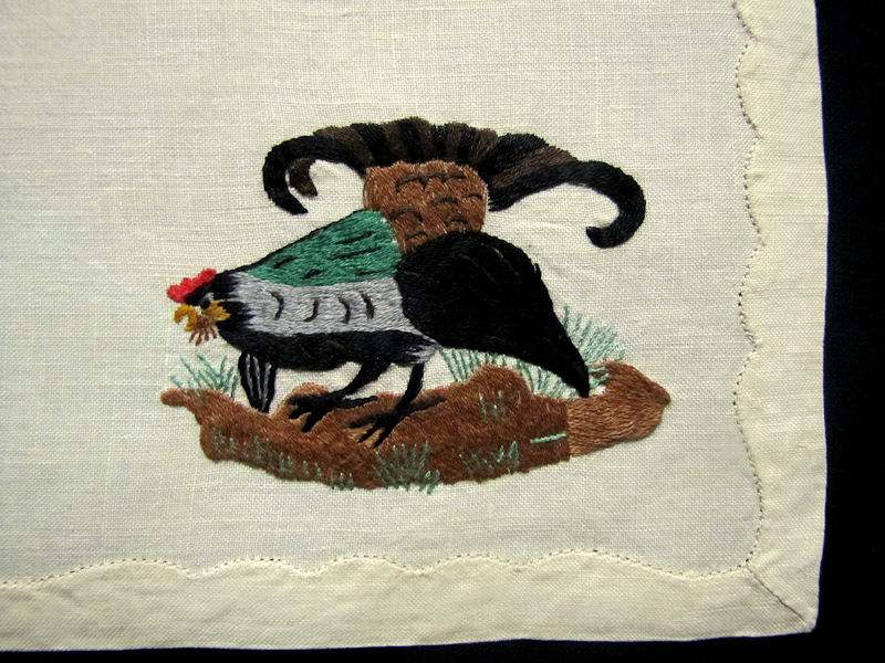 close up 8 vintage antique placemats set linen with hand embroidered birds