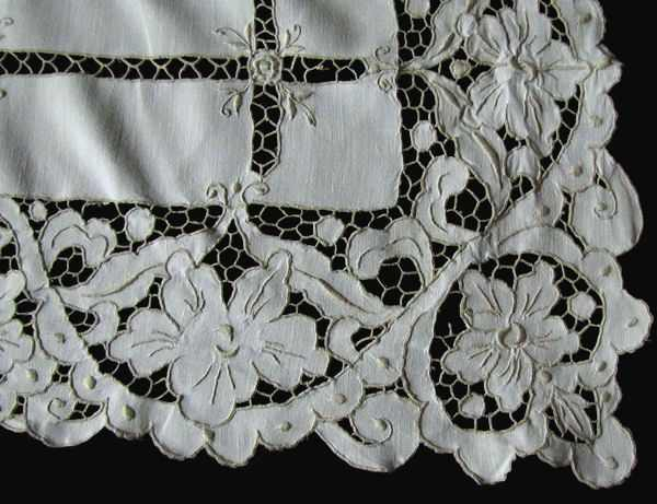 close up 1 vintage antique tablecloth handmade lace and embroidery