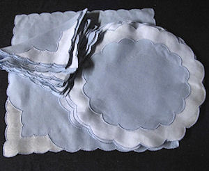 8 placemats 8 napkins Scallopino by Marghab blue