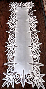 vintage antique white linen table runner dresser scarf handmade Battenberg lace