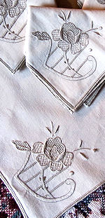 12 vintage linen embroidered napkins