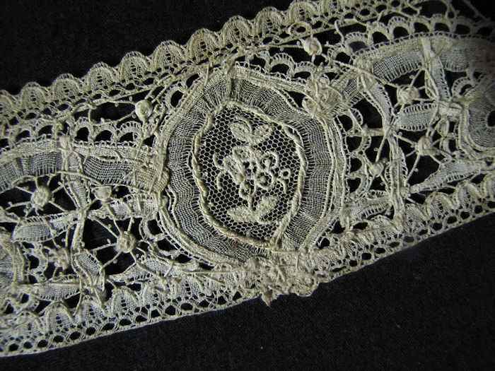 close up 5 Victorian antique handmade Brussels lace high collar