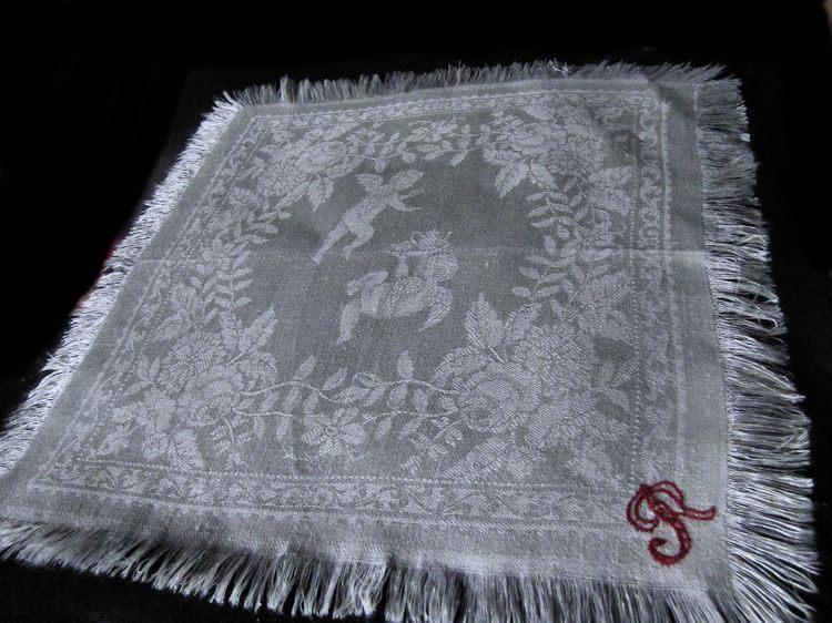 vintage linen figural damask napkins monogrammed R