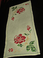 vintage table runner dresser scarf big red roses