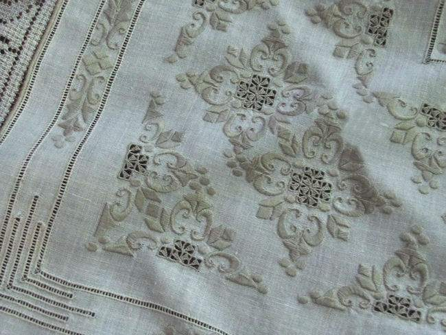 ropework of vintage handmade figural lace tablecloth