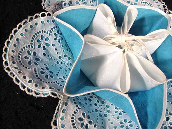 close up scones server with eyelet lace