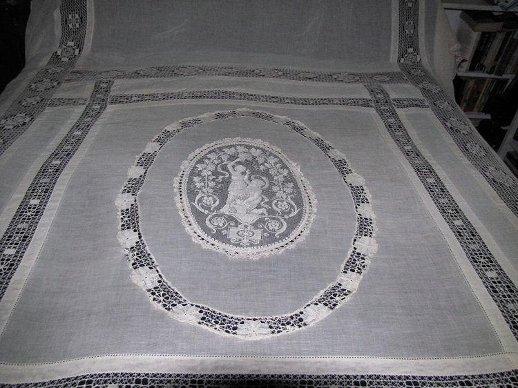 antique bedspread coverlet figural lace