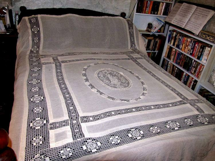 antique bedspread coverlet figural lace 2