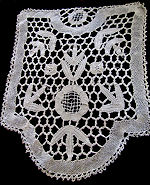 vintage antique table topper handmade bobbin lace
