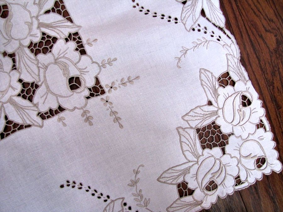 close up 3 vintage antique tablecloth handmade lace and embroidery