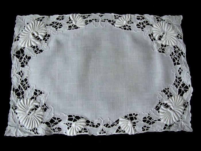 vintage white linen placemats