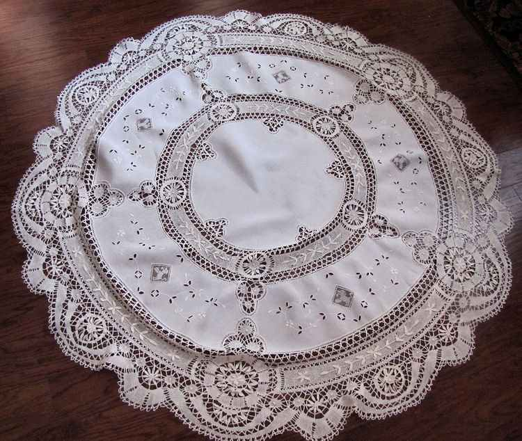 vintage antique handmade round tablecloth Cluny and figural lace