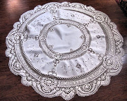 vintage round linen tablecloth Cluny and figural lace