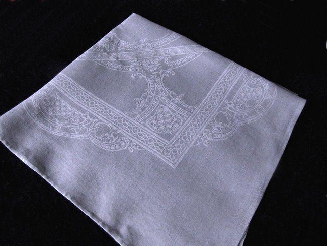 close up 1 vintage white linen damask woven dinner napkins