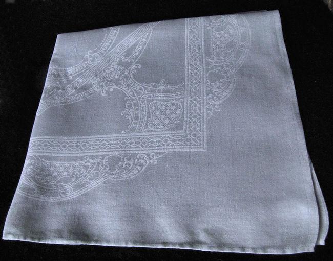 close up 2 vintage white linen damask dinner napkins