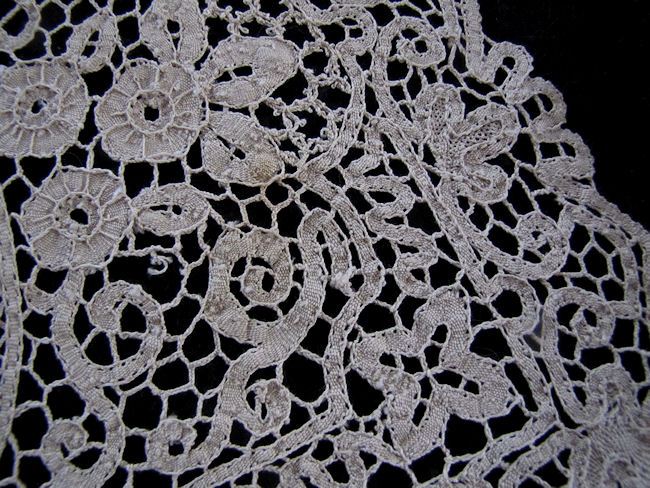 close up 5 vintage antique handmade figural lace placemats
