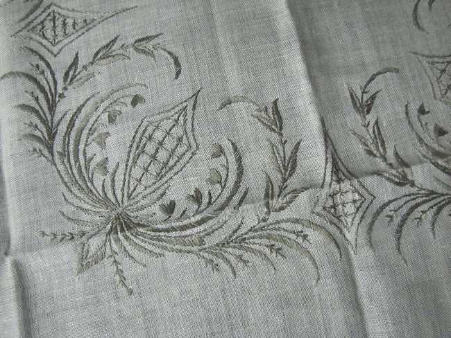close up 3 vintage beige linen tablecloth handmade lace and embroidery