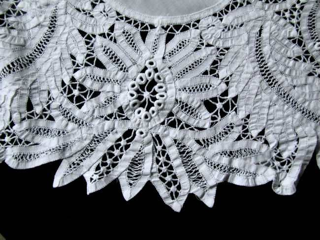 close up 2 round vintage antique white linen tablecloth with handmade lace