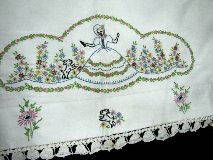 close up 2 vintage hand embroidered sheet set with his and hers pillowcases Southern Belle