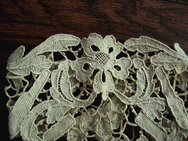 top of cuff lace