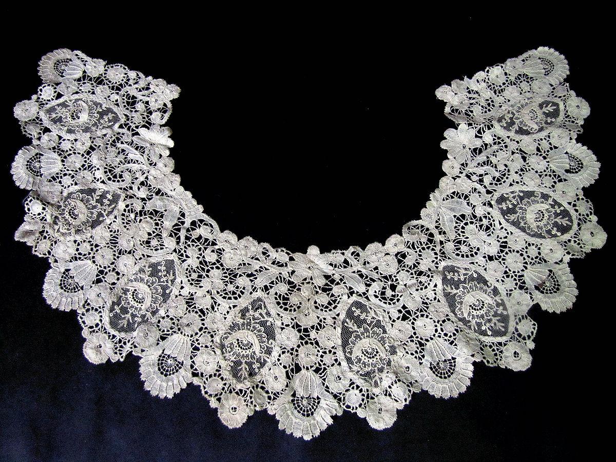 vintage antique handmade Brussels lace with point de venise