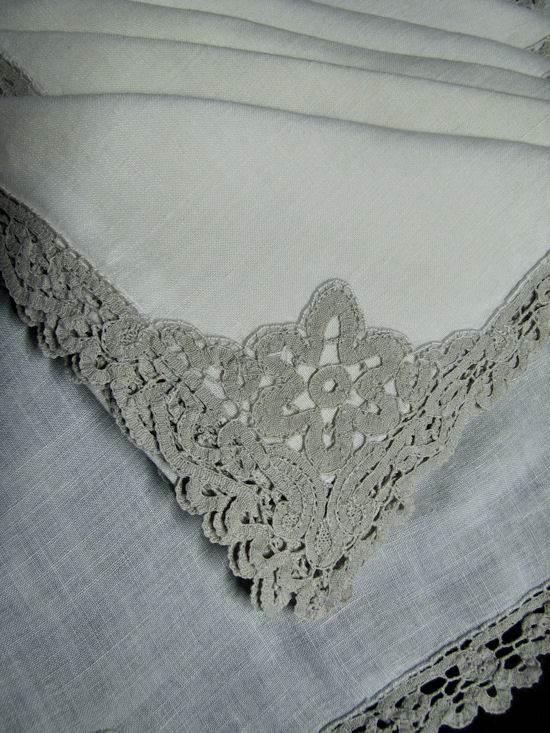 close-up vintage linen dinner napkins Iridian lace