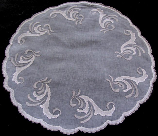 single Marghab round placemat