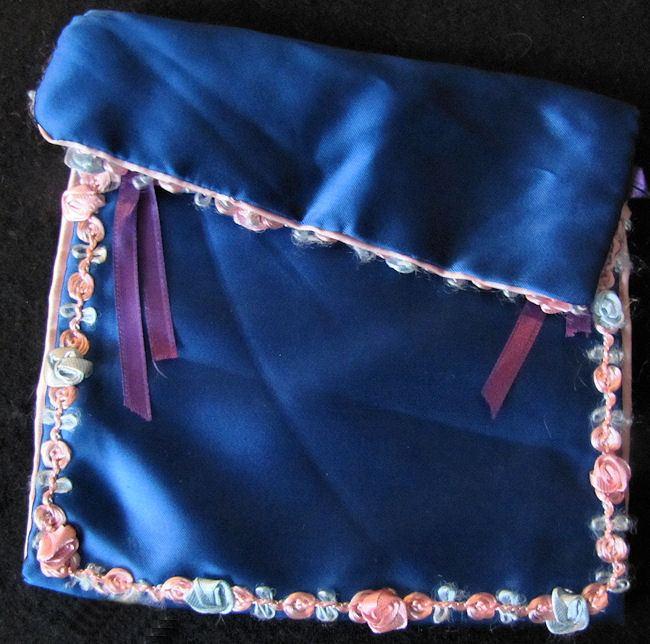 vintage handmade hanky bag closed