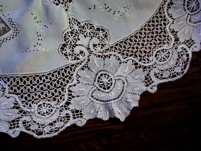 close up 2 vintage antique handmade white linen tablecloth with figural lace