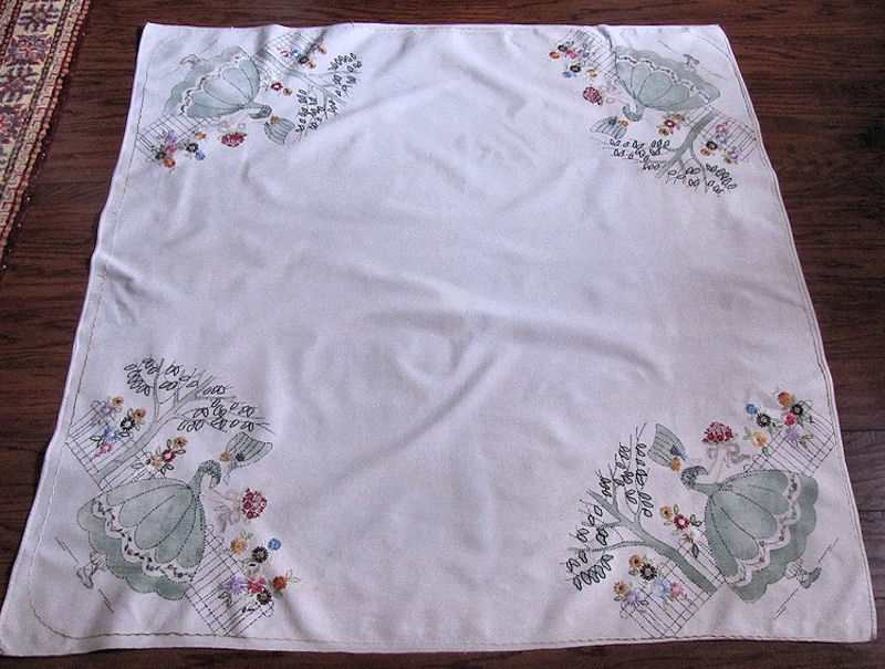 vintage handmade linen tablecloth arts and crafts Soouthern Belles