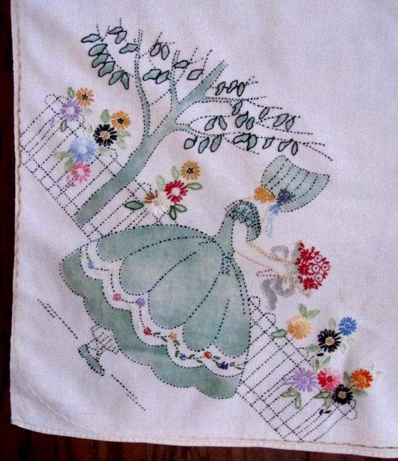 close up vintage handmade linen tablecloth arts and crafts Soouthern Belles