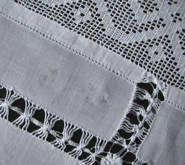 close up 5 vintage antique white linen tablecloth with handmade lace and embroidery