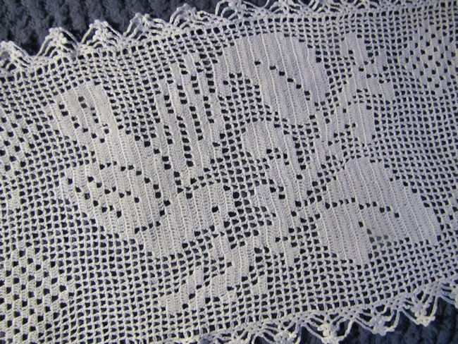 close up vintage antique handmade figural lace table runner dresser scarf
